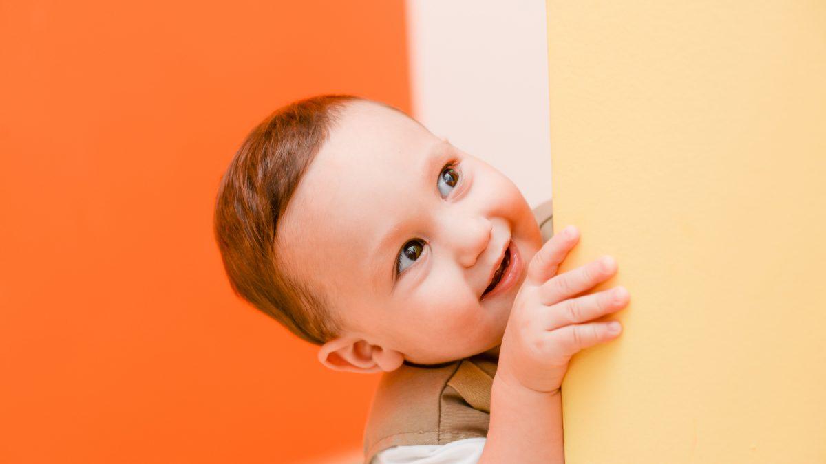 Na czym polega rodzicielska filozofia RIE? Przewodnik dla początkujących.