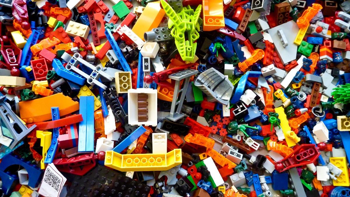 Jak namówić dziecko do sprzątania po sobie? 7 najpopularniejszych ojcowskich pomysłów.