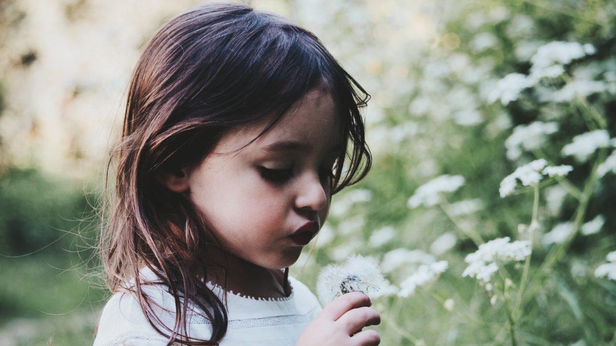 Szacunek do dzieci. Co to jest i jak okazywać go w praktyce? (Manifest RIE)